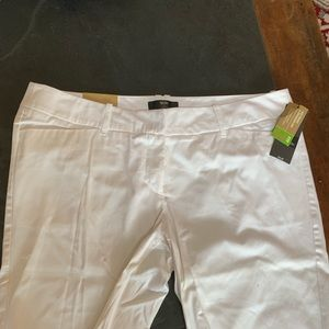 Mossimo mid waist and straight hip white shorts